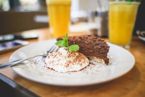 chocolate cravings dietitian nutrition diet