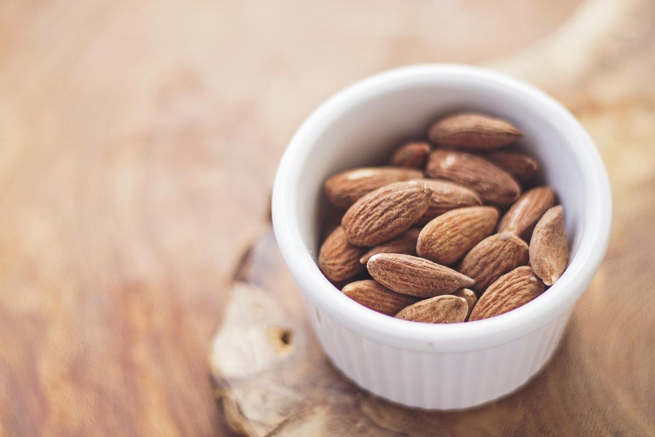 Almonds 768699 1280 1