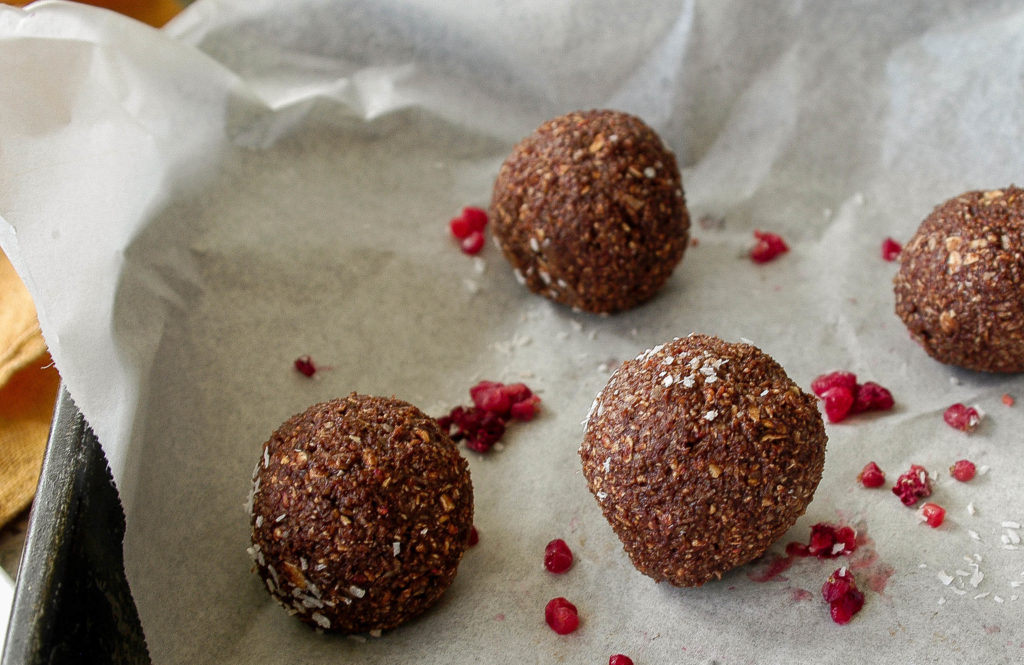 chocolate, raspberry and coconut bliss balls 1-1793
