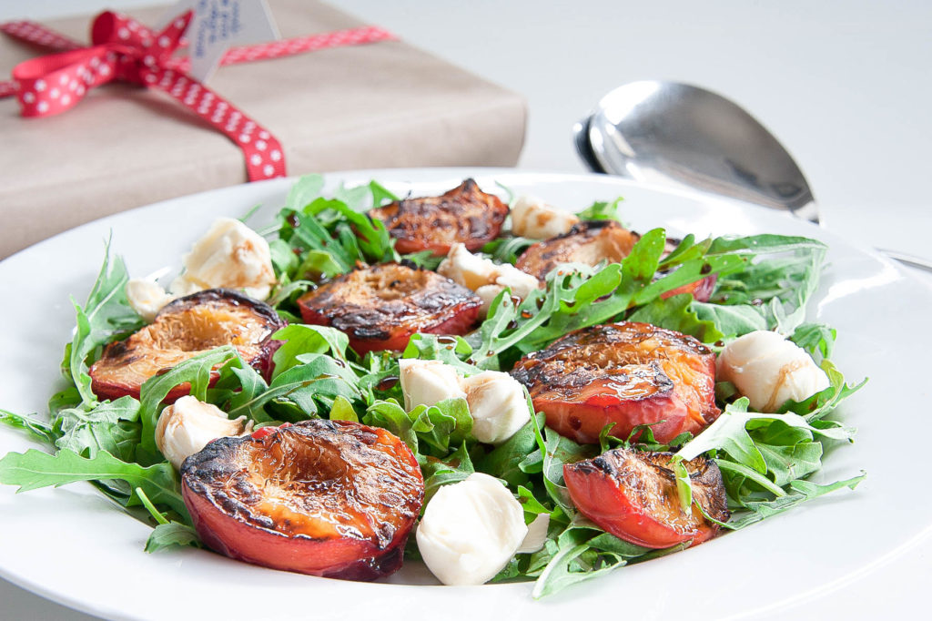 peach-and-rocket-salad-12