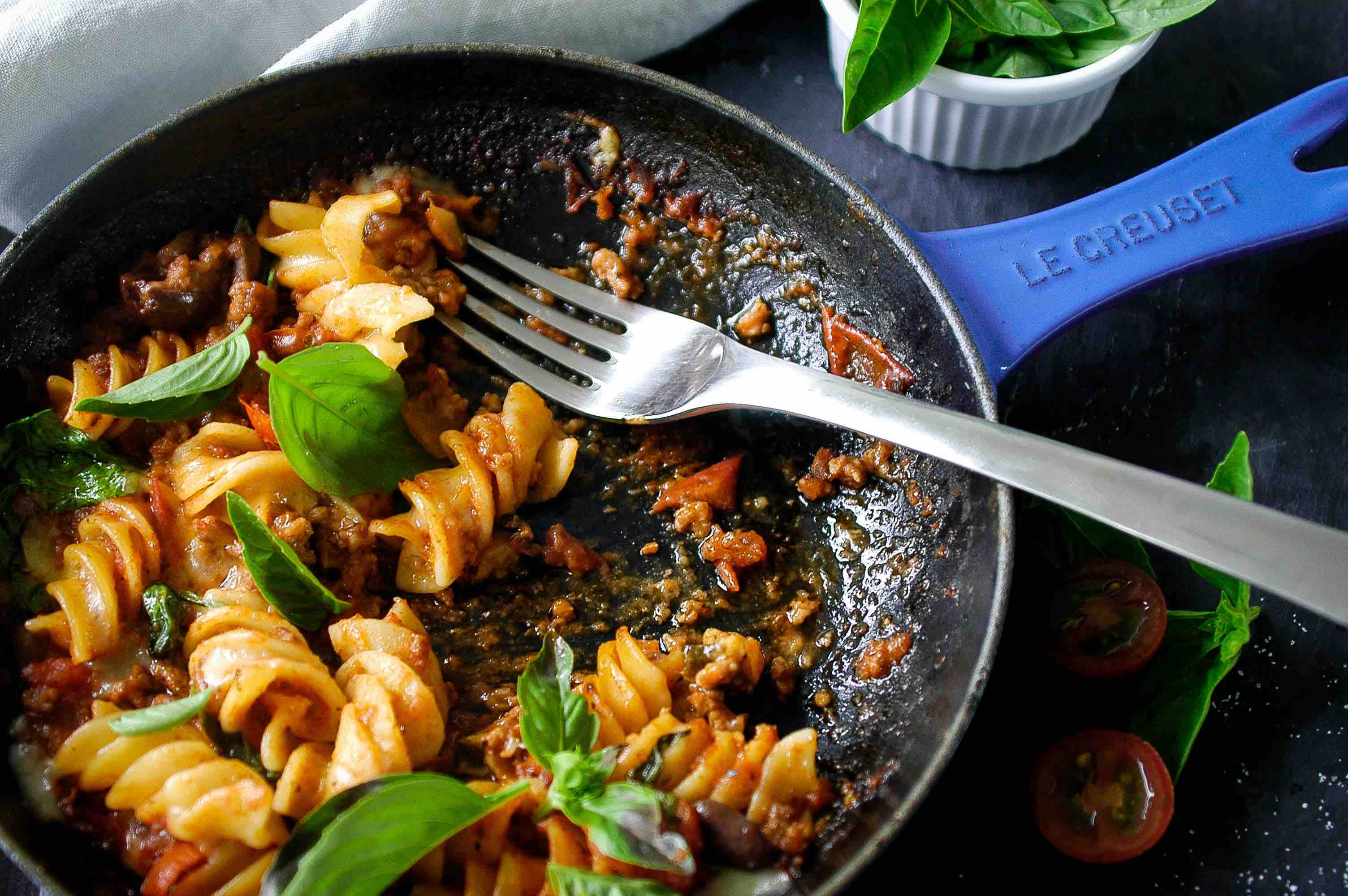 Minimum effort, maximum reward with this delicious one pan pasta!
